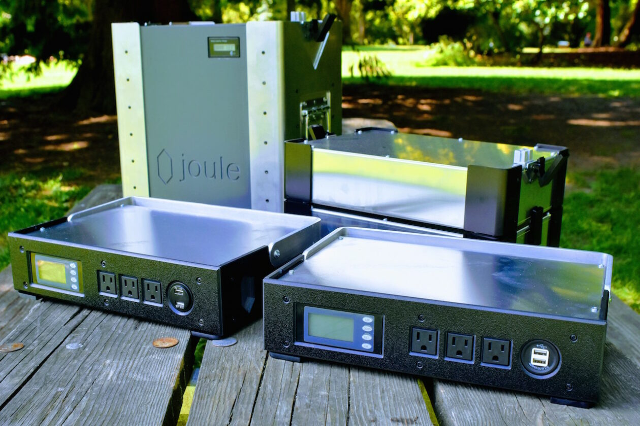 Stackable batteries make it possible to deploy backup power wherever and whenever. (Image: Joule Case)
