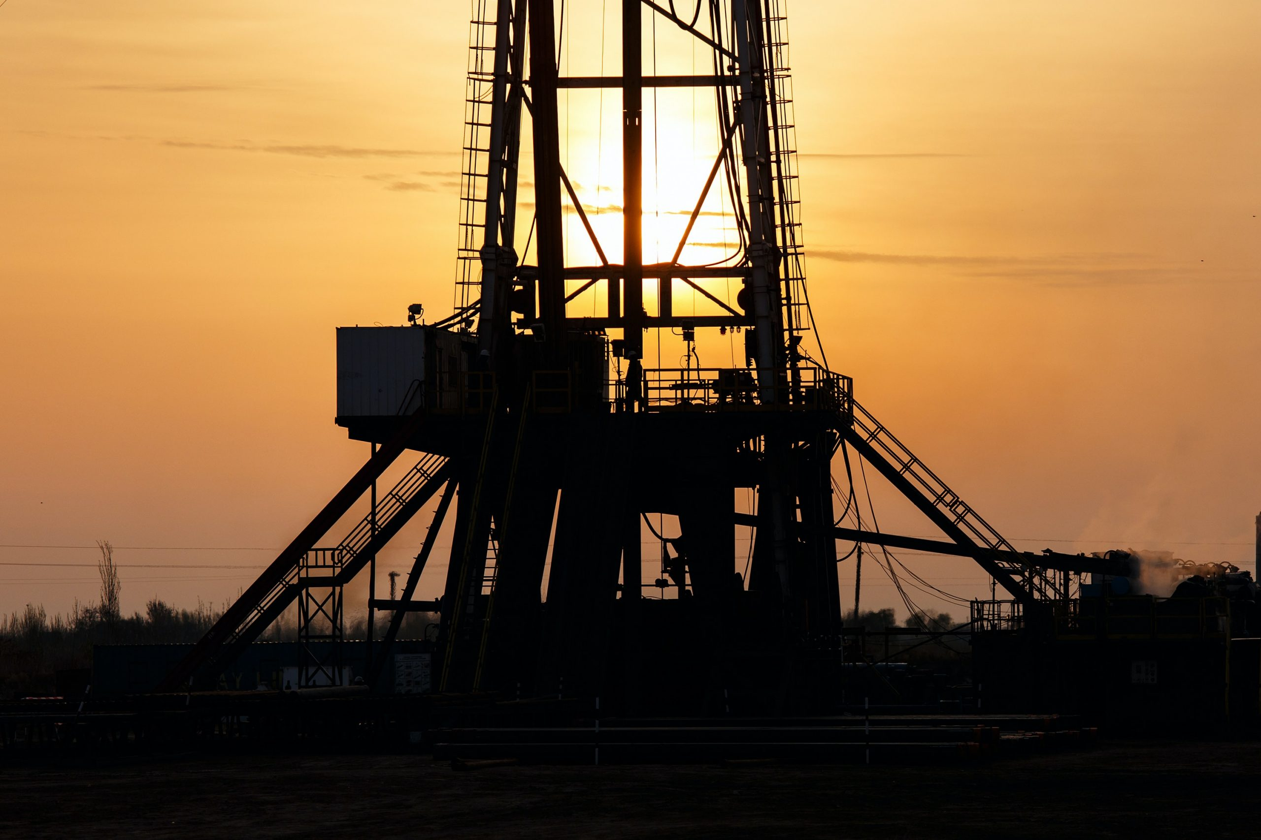 Finding a way to repurpose oil wells for the clean energy transition. (Image: Unsplash)